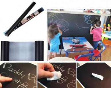 Juodos spalvos lenta – lipni plėvelė, skirta rašyti kreida