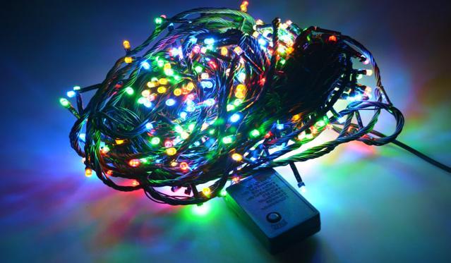 16m 200 LED lempučių šventinė girlianda. (Galimi spalvų pasirinkimai)