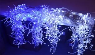 """18m 500 LED lempučių girlianda """"Varvekliai"""" su pulteliu."""