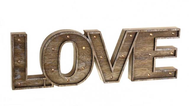 """LED šviečiantis medinis žodis """"Meilė"""""""
