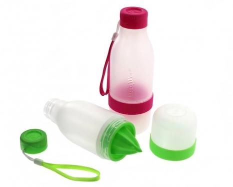 Plastikinis buteliukas vandeniui su citrusiniu vaisių spaudykle, 500 ml