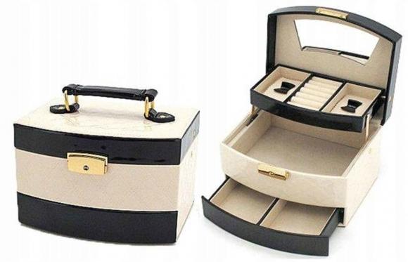 Trijų stalčių papuošalų dėžutė, 19 x 15 x 13 cm (kreminė, juoda)