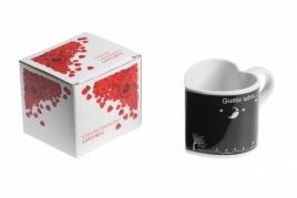 """Širdelės formos, spalvą keičiantis """"Meilės"""" puodelis, 330 ml"""