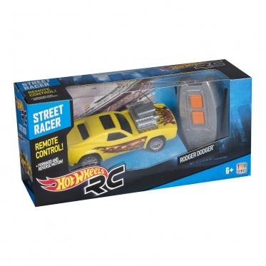 """Nuotolinio valdymo mašinėlė """"Hot Wheels Street Racer"""""""