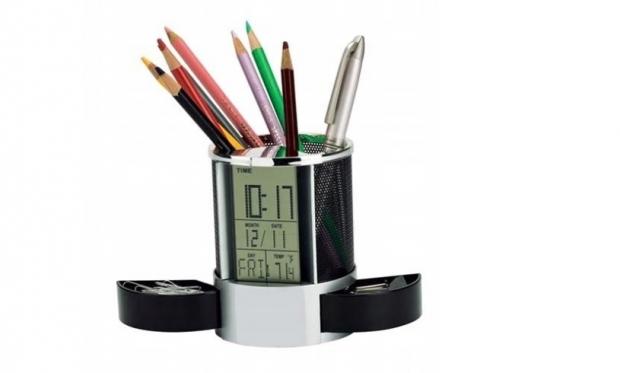 Skaitmeninis laikrodis pieštukinė