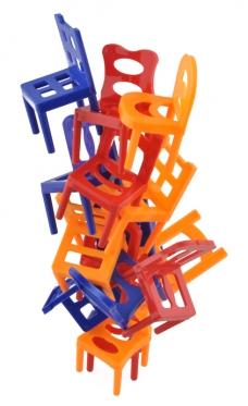 """Stalo žaidimas """"Balansuojančios kėdės"""""""
